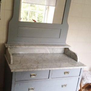 Beispiel in grau gestrichen